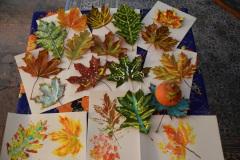 Blätter bemalen11