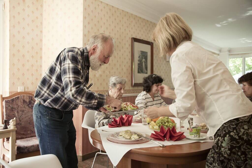 Pflegeleistungen-betreutes-wohnen-in zethen