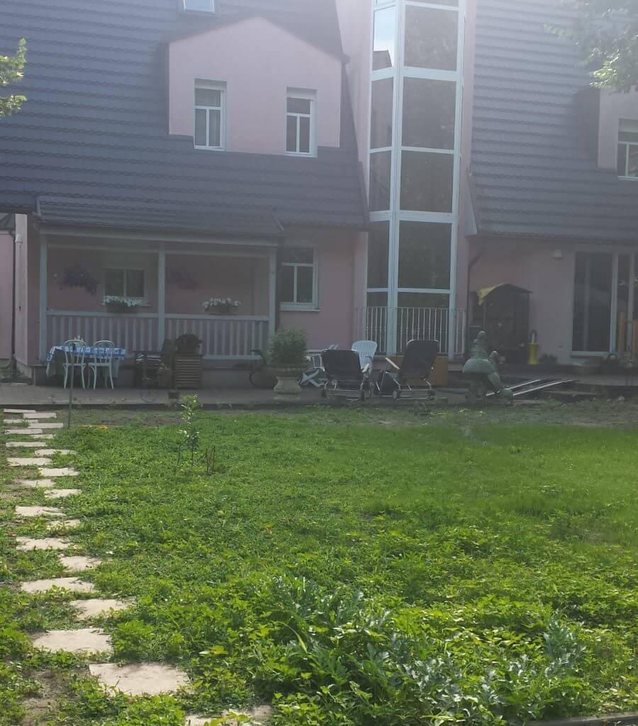 grosser garten im seniorenheim zeuthen
